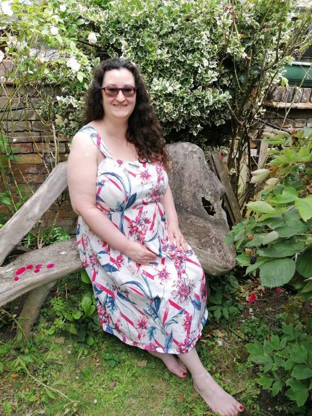 Shelley Mason Feet db First mobile reflexologist sitting in garden